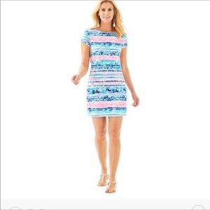 Lilly Pulitzer Printed Short Sleeve T Shirt Dress.